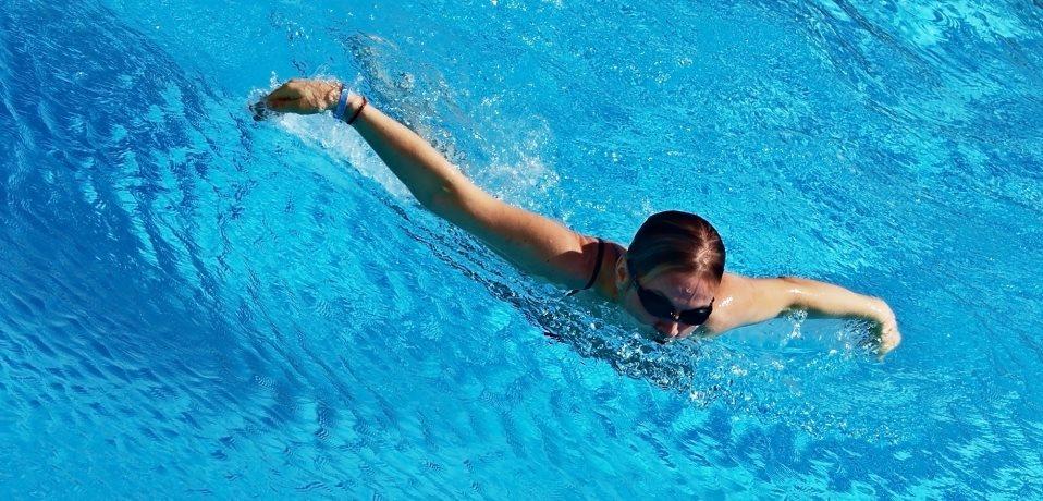 Plavecký bazén Jedenáctka Chodov je vhodný pro kondiční i rekreační plavání.