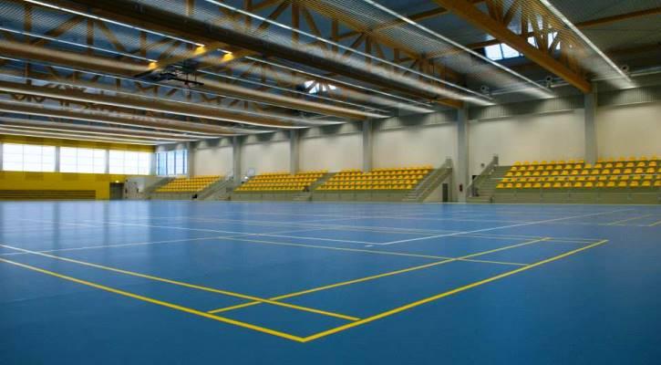 Víceúčelová sportovní plocha Jedenáctka má rozměry 60 × 30 metrů.
