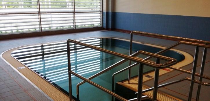 Nerezový bazének velikosti 4,5 x 4,5 metru v Centru dětského plavání Jedenáctka VS.